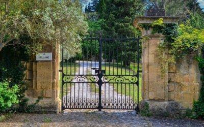 Votre pilier de portail en pierre sur mesure avec Pierre Concept